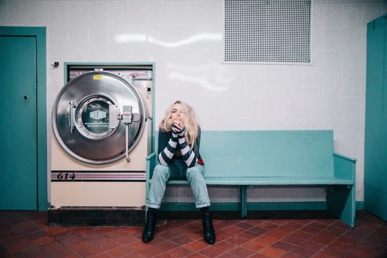 How to clean wash laundry while travelling. All the best ways to find places to clean your laundry while travelling. Top tips to help you find a laundrette while travelling. #laundry #washing #clean #travel #traveling #travelling #wanderingbird #travelblog