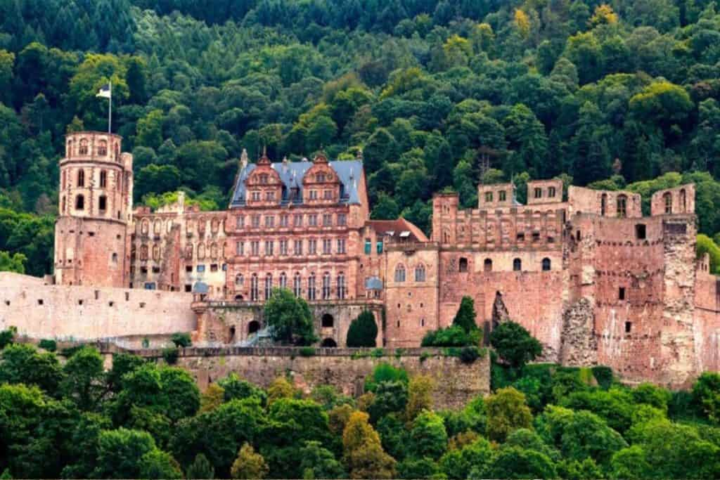 Heidelburg Castle - The best Fairytale castles in Southern Germany. Here's our guide to help you choose the best castles in southern Germany to visit on your Germany road trip. Here are our favourite castles in southern Germany! #castles #germany #wanderingbird #southerngermany #roadtrip #fairytale #castle #burg #cochem