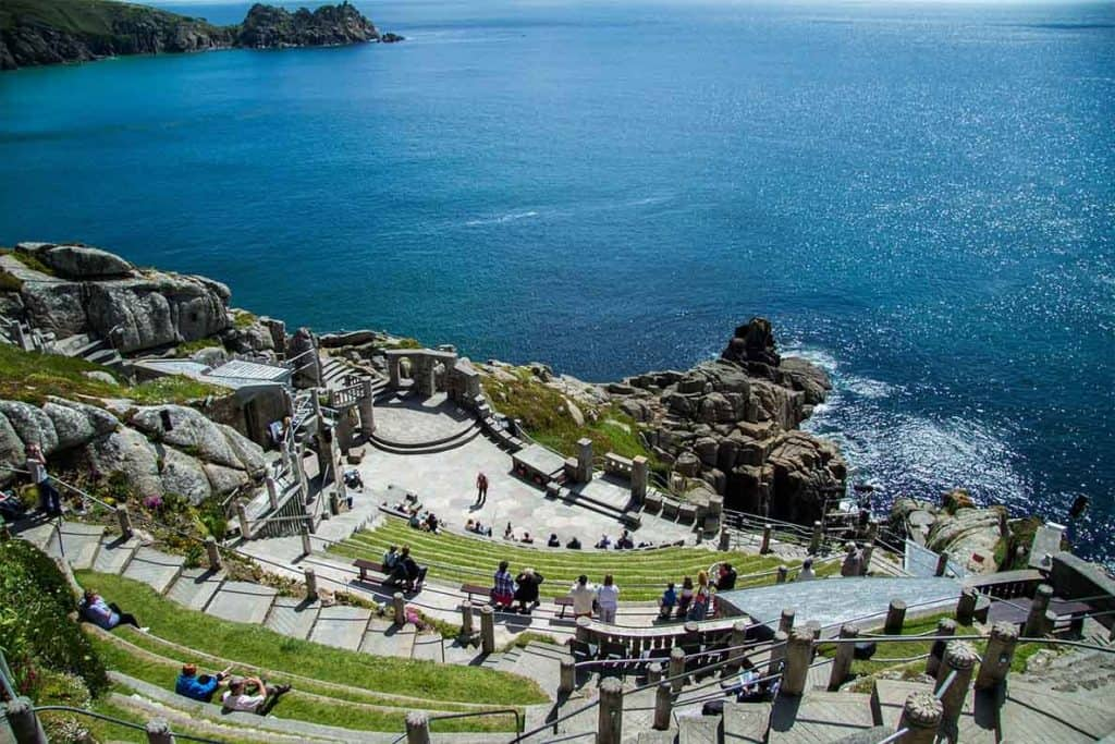 Looking for the best places to see on a Cornwall Road Trip? Here are 40 UNMISSABLE places to see in Cornwall to make your road trip the best it can be!
