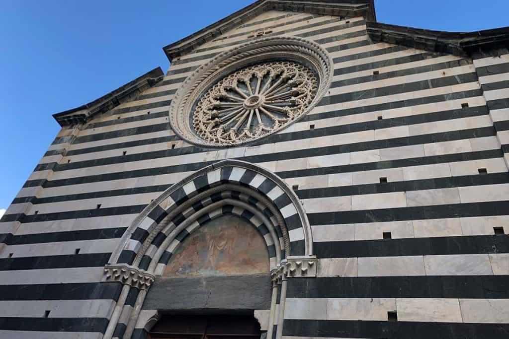 Monterosso, cinque terre italy travel guide. #monterosso #cinqueterre #italy