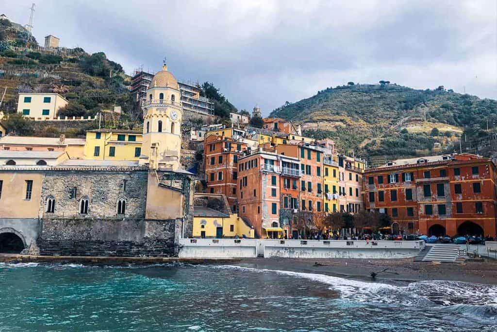 Vernazza, cinque terre italy travel guide. #vernazza #cinqueterre #italy