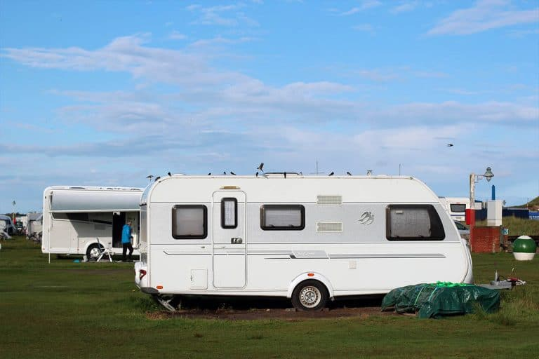 Caravan or motorhome- which is better? Pros and Cons of each