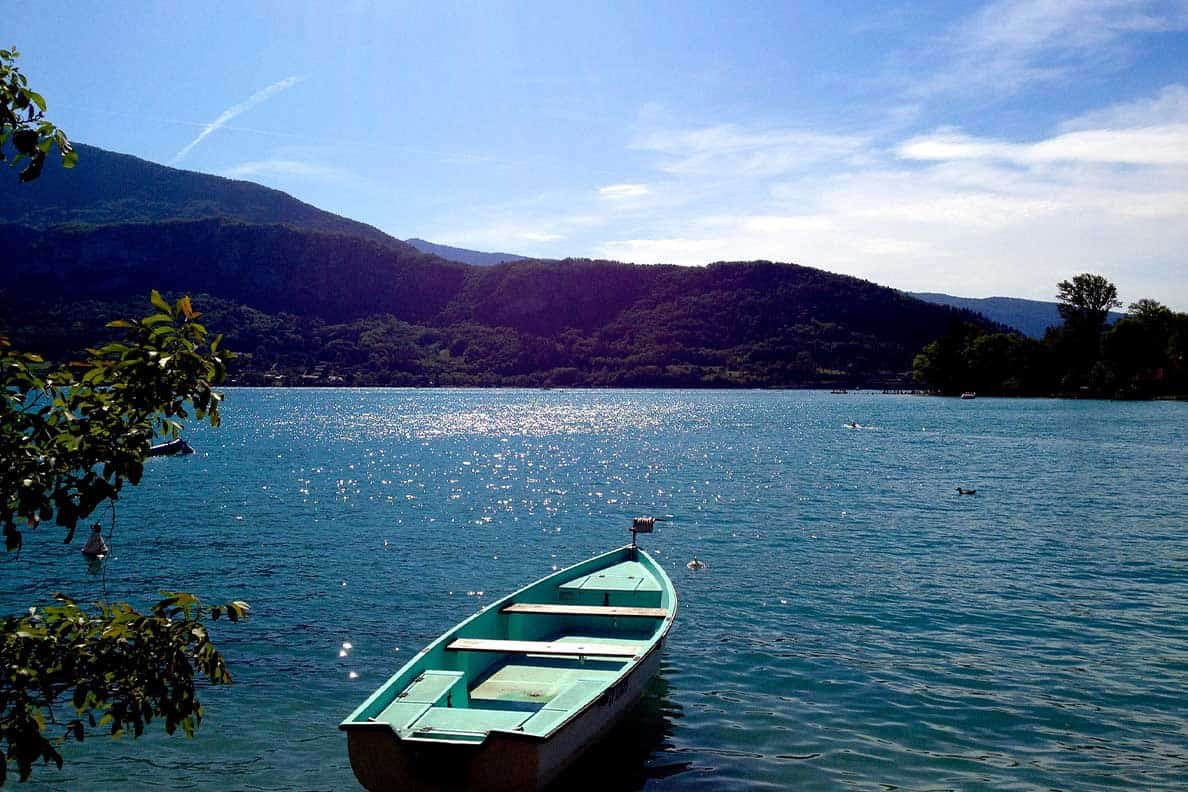 "data-pin-description=""Lake Annecy in France is one of the most beautiful places to travel to in Europe. However- we completely messed up our trip- here's how to avoid our mistakes!! #lakeannecy #france"""