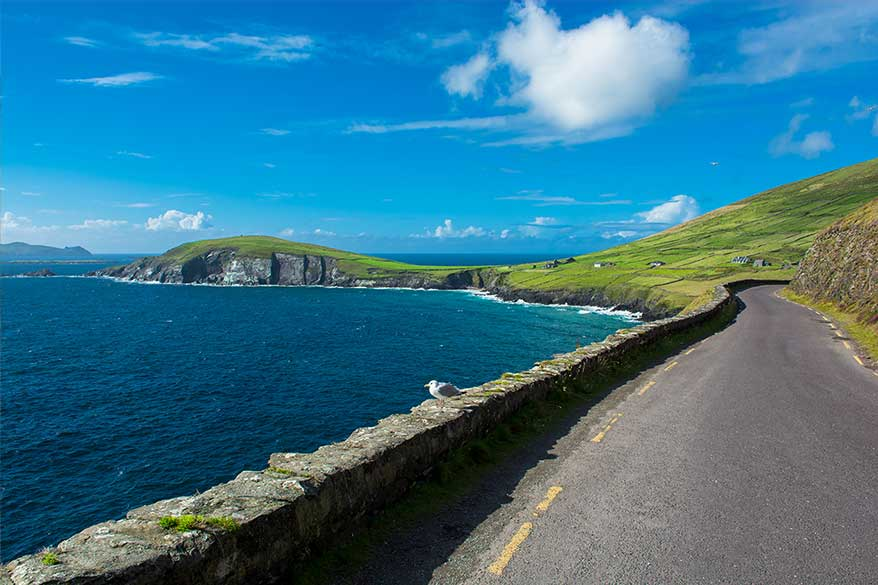 Ireland road trip itinerary ideas- Slea Head and Dingle Peninsula. Ireland travel tips