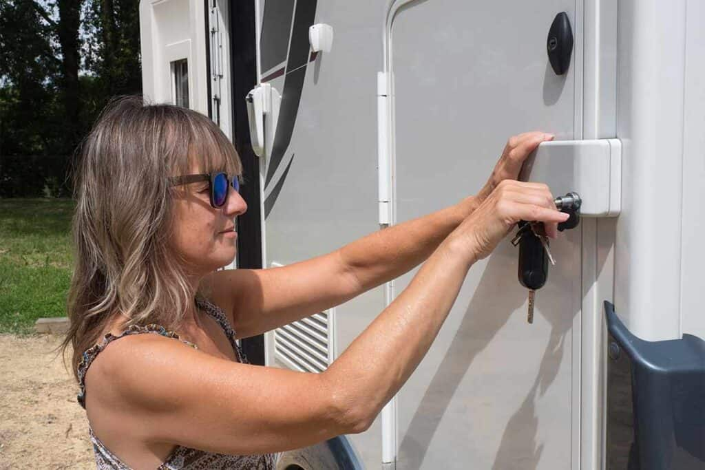 Motorhome Security and theft prevention tips for motorhomes, RV, camper van and caravans