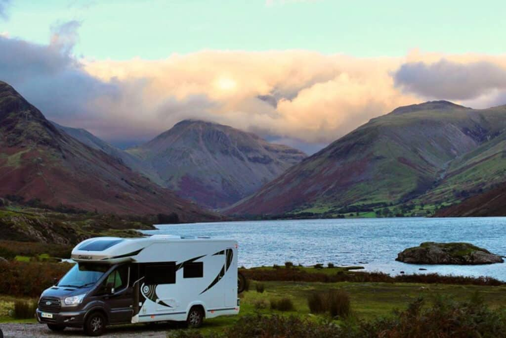 UK Fulltime Motorhome Living blog & podcast