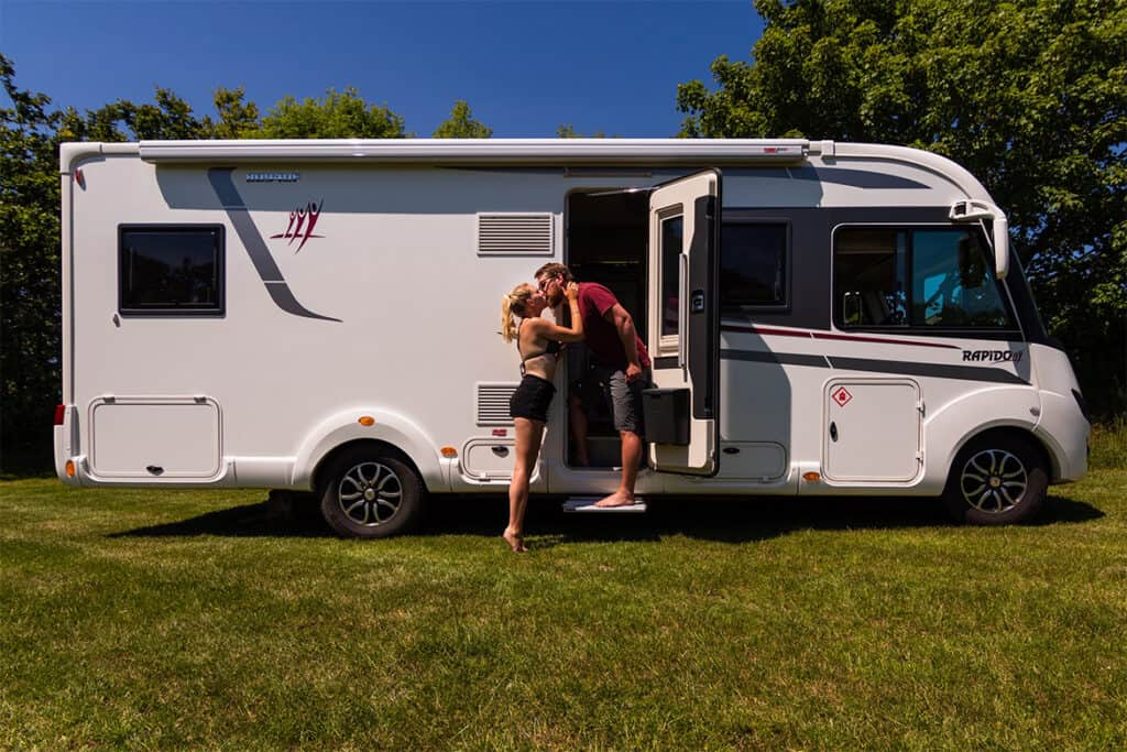 Living in a motorhome full-time- pros, cons and tips for fulltime permanent motorhome living in the UK