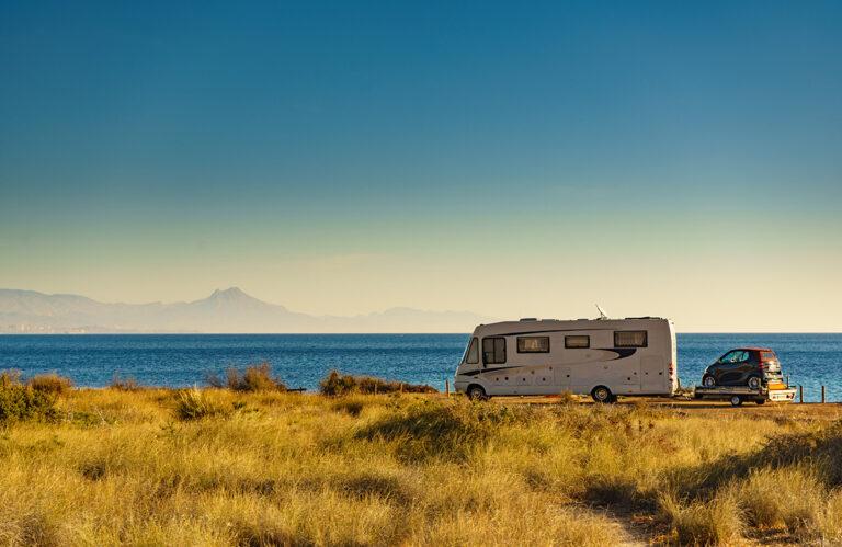 keeping cool in summer in motorhome campervan vanlife